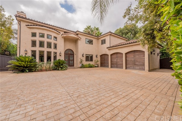 22858 Collins Street, Woodland Hills CA 91367