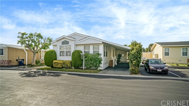 21305 Blue Curl Way, Canyon Country CA 91351