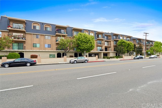 12400 Montecito Road Unit 404, Seal Beach CA 90740