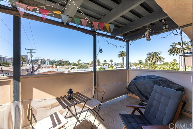 1054 E 2nd Street Unit 304, Long Beach CA 90802
