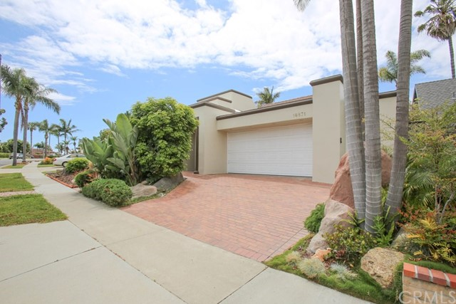 16871 Saybrook Lane, Huntington Beach CA 92649