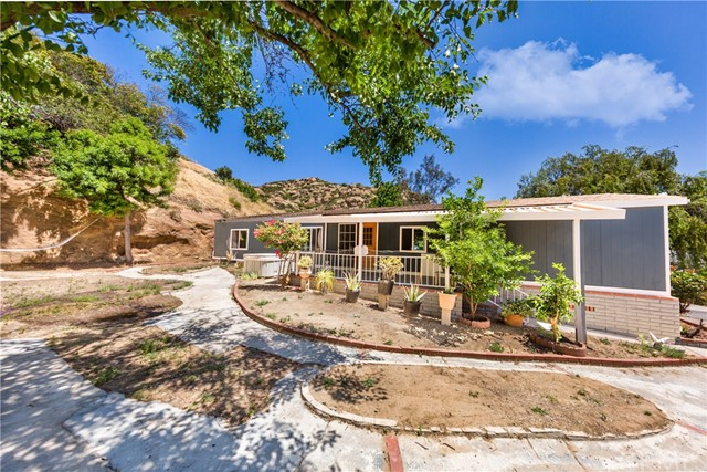 24425 Woolsey Canyon Road, West Hills CA 91304
