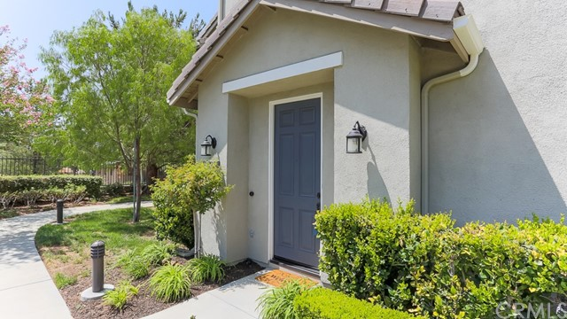 27233 Riverview Lane, Valencia CA 91354