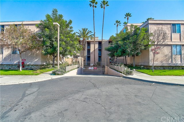 6979 Palm Court Unit 132J, Riverside CA 92506