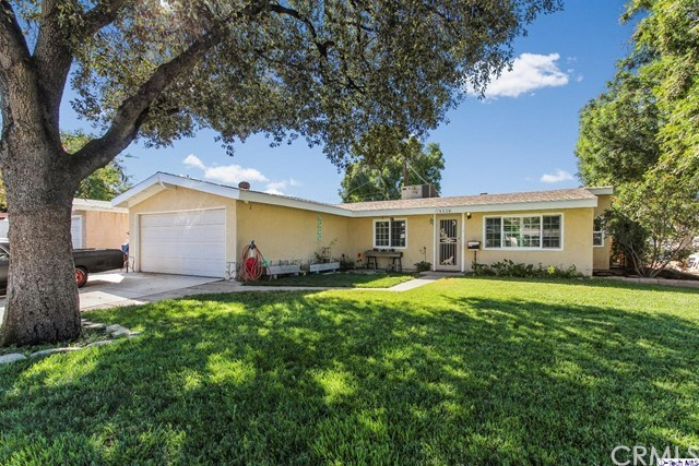 19328 Newhouse Street, Canyon Country CA 91351