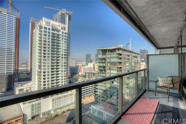 1155 S Grand Avenue Unit 1708, Los Angeles CA 90015
