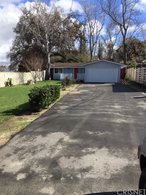 25030 De Wolfe Road, Newhall CA 91321