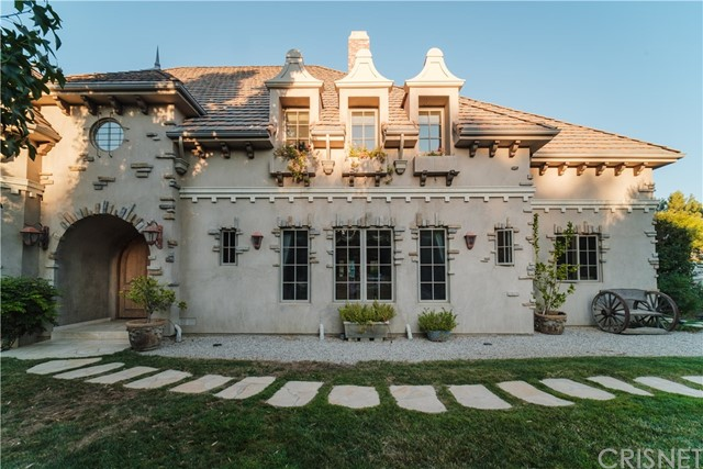 6144 Colodny Drive, Agoura Hills CA 91301