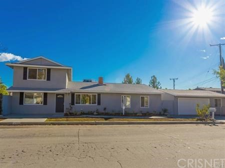 17812 Silverstream Drive, Canyon Country CA 91387