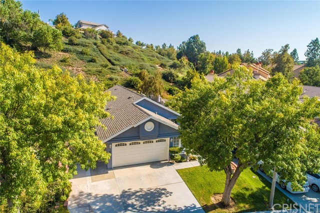 28244 Evergreen Lane, Saugus CA 91390