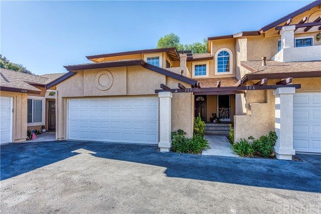 22943 Banyan Place Unit 307, Saugus CA 91390