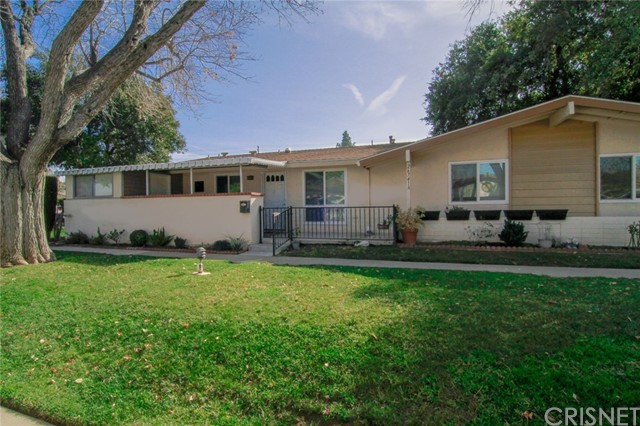 26741 Whispering Leaves Drive Unit A, Newhall CA 91321